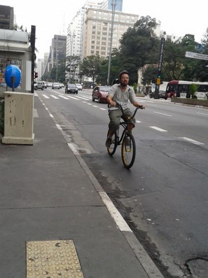 Foto de Ciclista na Avenida Paulista - Centro de São Paulo